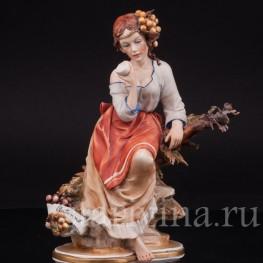 Фарфоровая статуэтка девушки Аллегория Осени, Capodimonte, Италия, сер., вт пол. 20 века.